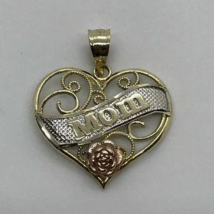 """10kt """"mom"""" heart ❤️ pendant"""